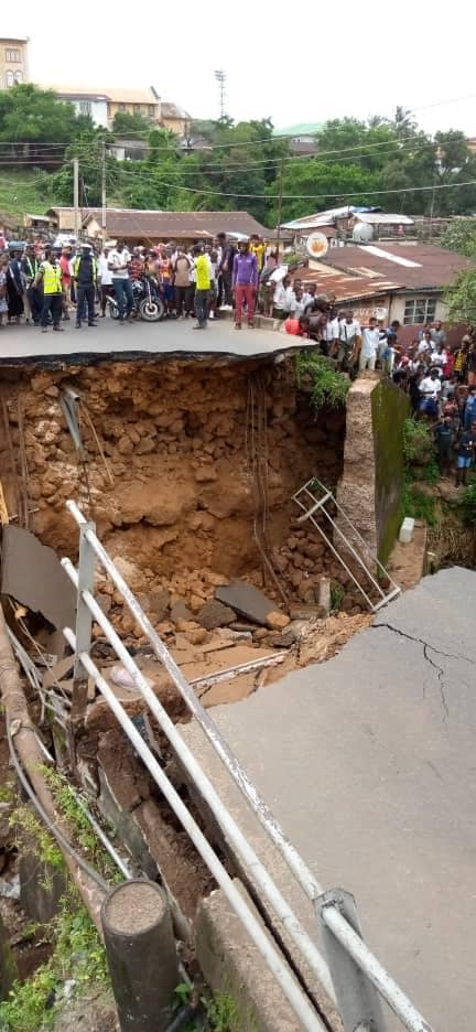 We are fortunate that the casualties were limited yesterday. We may not be so lucky next time. Prevention is much better than cure. Repair bridges. Don't give permits to build close to or underneath bridges. This is not rocket science. #Freetown #SierraLeone @RMSalone @Issab24 https://t.co/nulxBd8kK4