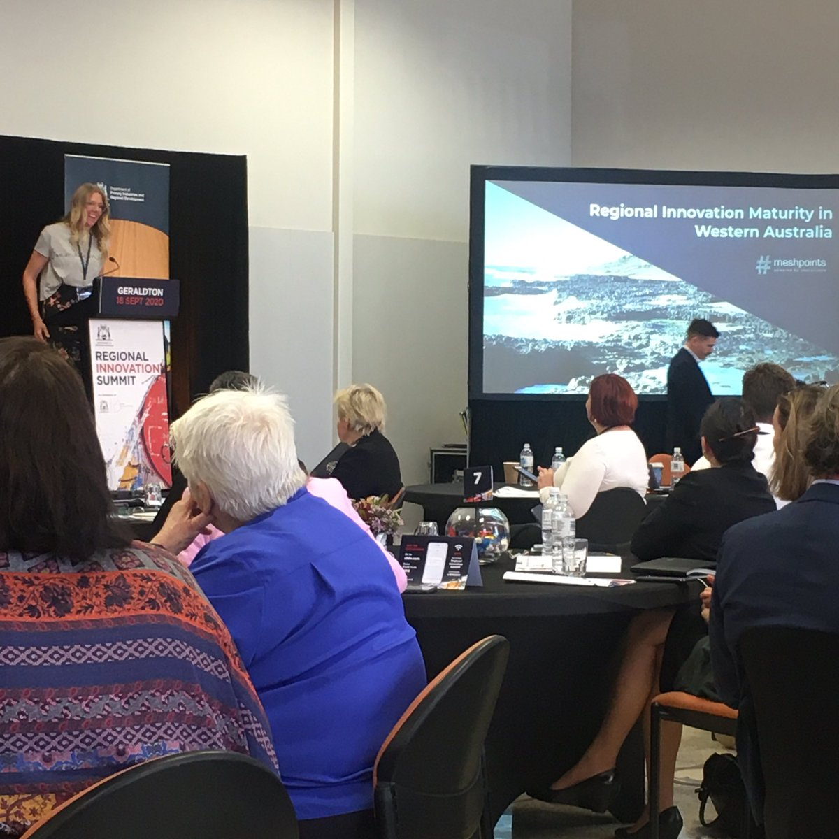 @Meshpoints lead @KatieVDB_MCO taking to the stage to talk #regional #innovation at the @DPIRDWA #RegionalInnovationSummit today, taking us through the 10 year history of innovation & diversification throughout #regionalWA & the role that networks play in collaboration 🙌 https://t.co/gJrfHU8ovM