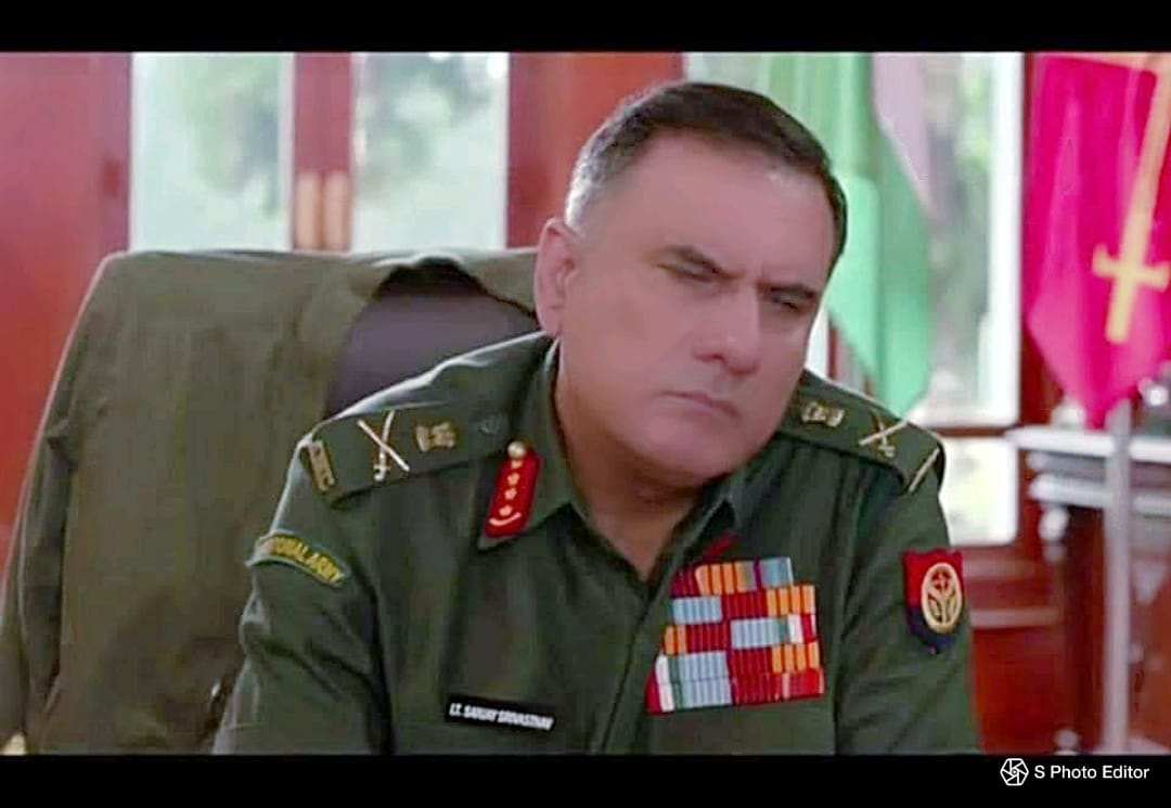 Hilarious from Bollywood Col Boman Irani- Collar Tabs-COAS Shoulders titles-AMC- 1st DoctorChief Shoulder patches- Territorial Army-1st Chief-from TA Name tab-Lt Sanjay Srivastava General Service Medals-1947 ribbon; OpVijay Star-1999- 50+ yrs service Formation sign-UP Police🤣😅 https://t.co/FhIvPGMrc1