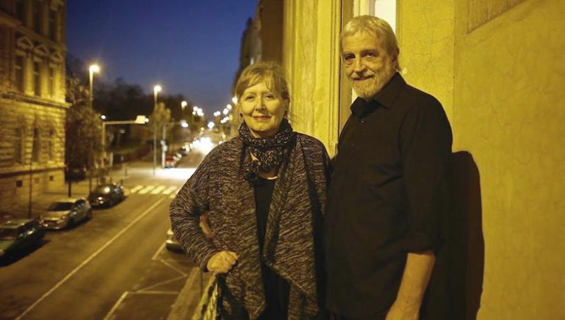 Michael Třeštík (* 18. září 1947, Praha, Československo) je český prozaik, architekt, publicista, vydavatel a dokumentarista. Je ženatý s režisérkou dokumentárních filmů Helenou Třeštíkovou. https://t.co/hpIpLwUG2Q https://t.co/ibGC1ELjLG
