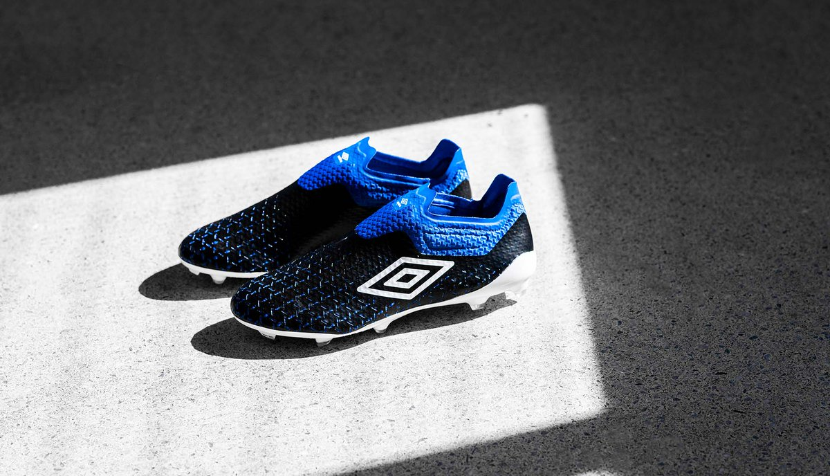"""New Season Refresh. @UmbroUK dress out the Velocita V in a corresponding """"Black/White/Blue"""" colourway to support the recently released 'Tocco': https://t.co/p3srUSMnxp https://t.co/l04vR0SkYH"""