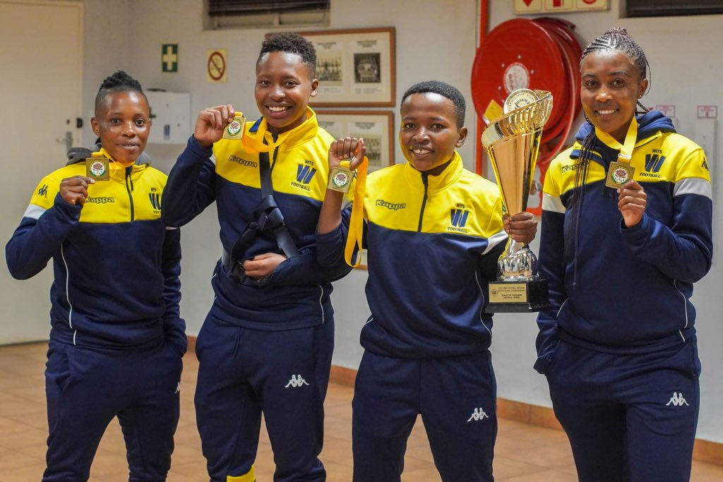 """#FridayFeeling """" Surround yourself with people who have dreams, desire and ambition; they'll help you push for and realise your own.""""   #WitsSport #WitsFootball https://t.co/0F4tSF0QXX"""