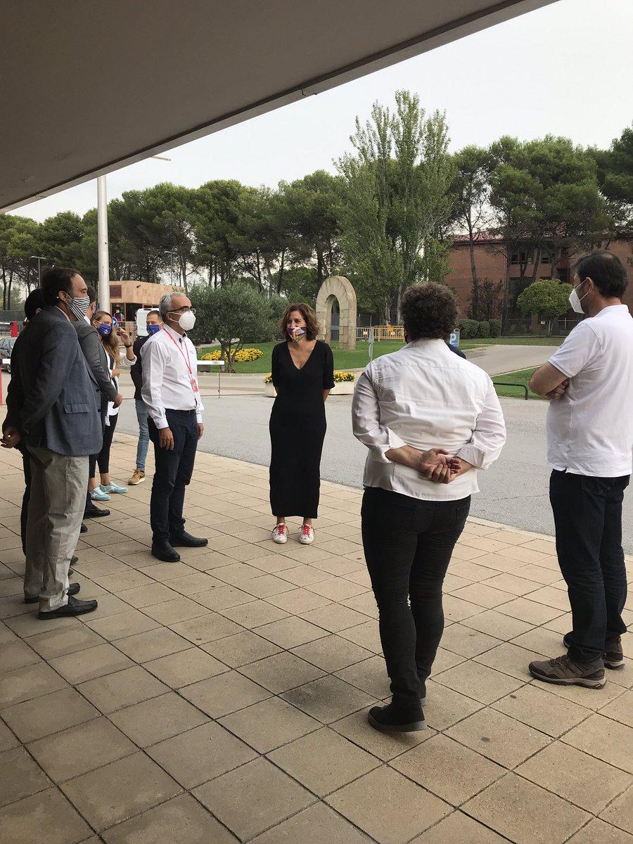 Llegada al @CARSantCugat de la Presidenta del @deportegob, @lozanoirene https://t.co/Fy7l8YIlSr