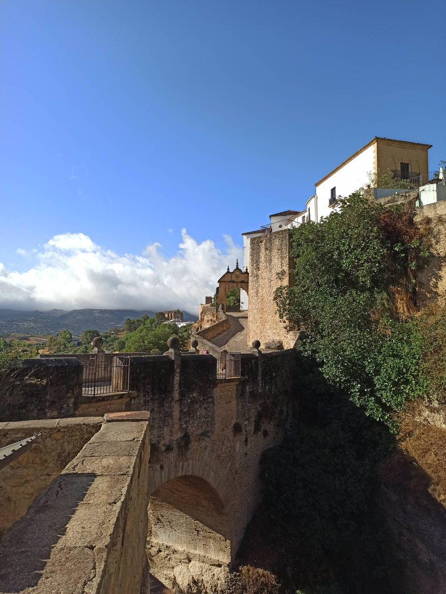 #AndaluciaInmensa| Visitar Ronda siempre es un plan estupendo en cualquier momento... #viveandalucia  intensamente @ronda_turismo  #Ronda #Malaga https://t.co/nMhfNGk1qJ