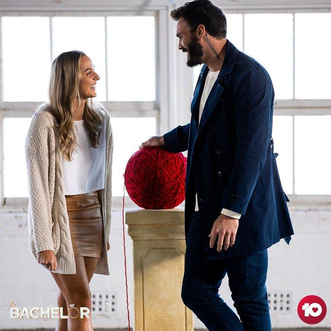 Bachelor Australia - Locky Gilbert - Season 8 - Izzy Sharman-Firth - *Sleuthing Spoilers* - Page 2 EiLMUMqU0AApjjt