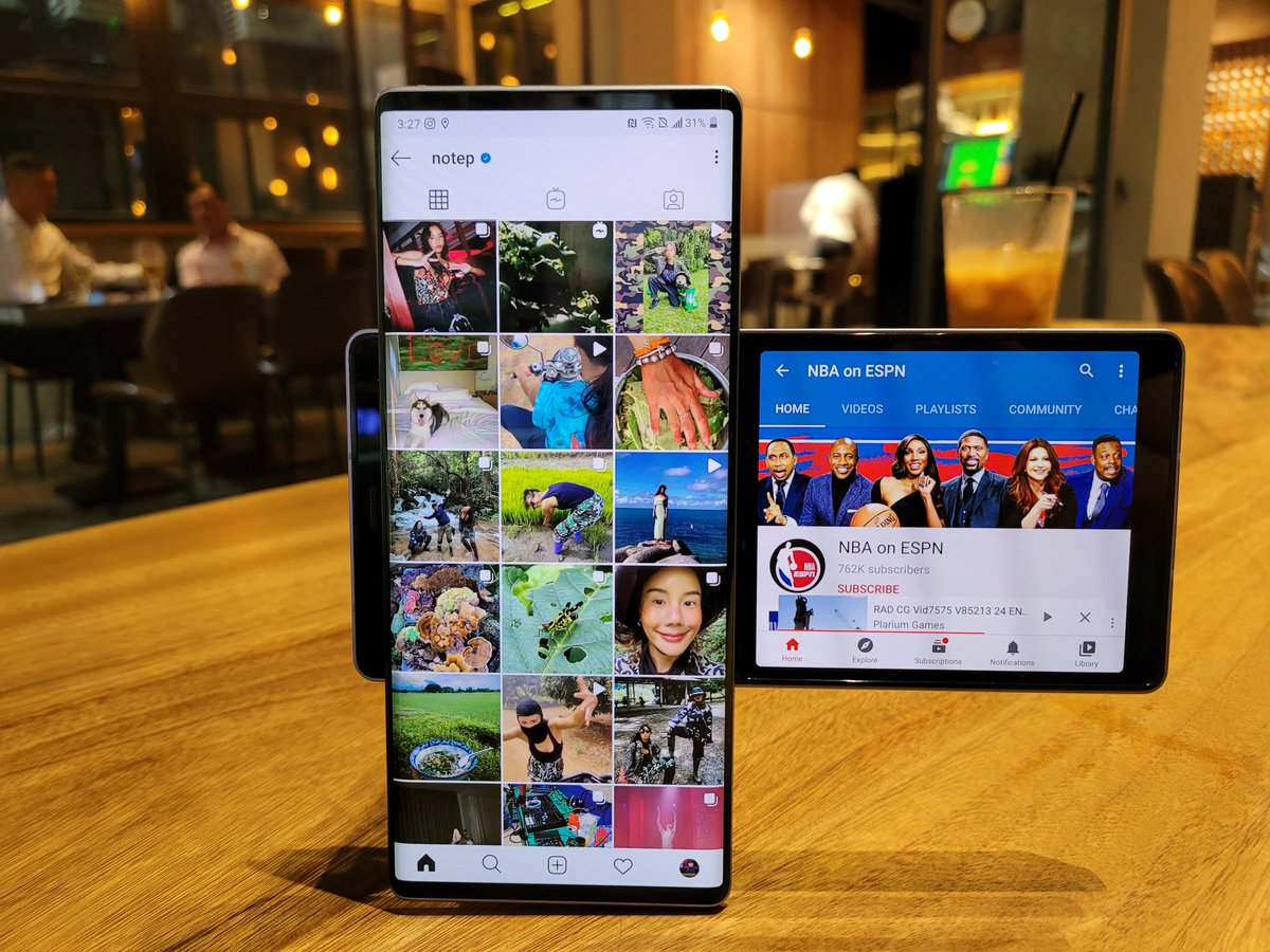 Ok I've said dozens of great things about LG Wing. But there be gripes.   - haptic engine is weak  - camera launches slow  - UI slow to catch up to correct orientation when rotate phone   That's about it. Still love it. https://t.co/trxgIKCX4H