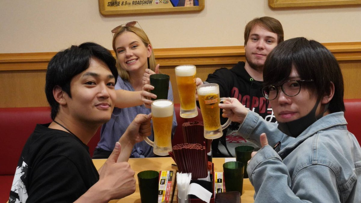 ビーるで乾杯🤠  スーパーアクマ来日時の写真 https://t.co/O3joTz90IZ
