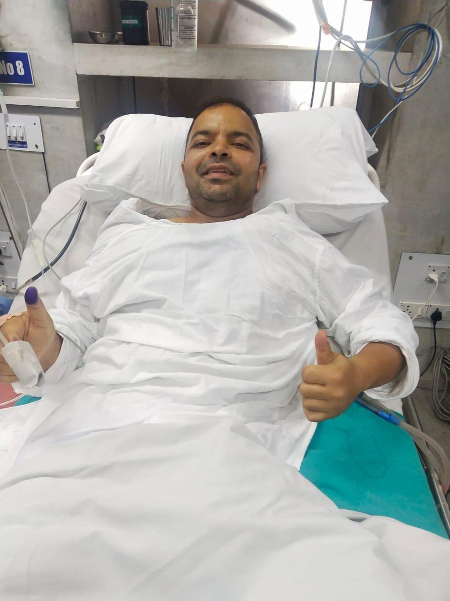 If courage has a face, that's how its smile would look:  Sh. Rahul Mathur, DC #CRPF who neutralised terrorists even after suffering bullet injuries yesterday. https://t.co/Uow7WRSbl2
