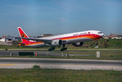 A TAAG já tem nova data de retoma de voos para Portugal e o Brasil. A companhia aérea angolana diz que será esta segunda-feira, dia 21.  #Lisboa #operação #retoma #TAAG #voos https://t.co/NDgKmdqWgr https://t.co/18PJ0hXWuv