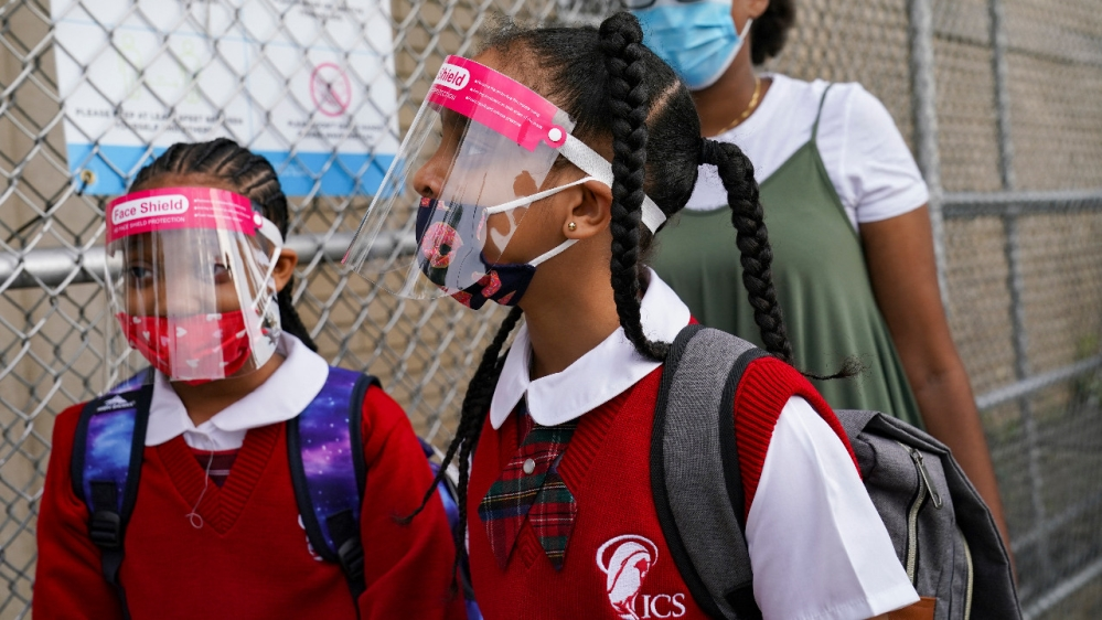 US CDC study shows COVID-19 takes heavy toll on minority youths: Government report finds the majority of coronavirus deaths of young people in the US were among racial minority groups. https://t.co/u5eFQq9z3G https://t.co/V7zfiLphzF