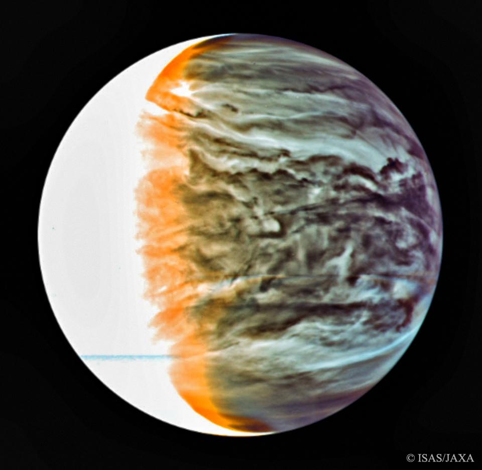 Irre Aufnahme der Venus von der Sonde Akatsuki, in der man wunderbar Tag und Nacht im Infrarot-Bereich sieht!  Alles zum Fund auf der #Venus, dem möglichen Leben auf der Venus und #phosphine habe ich für euch bei #YouTube erklärt, schauts euch hier an: https://t.co/m8YuKMoip3 https://t.co/GNR6PL8xKk