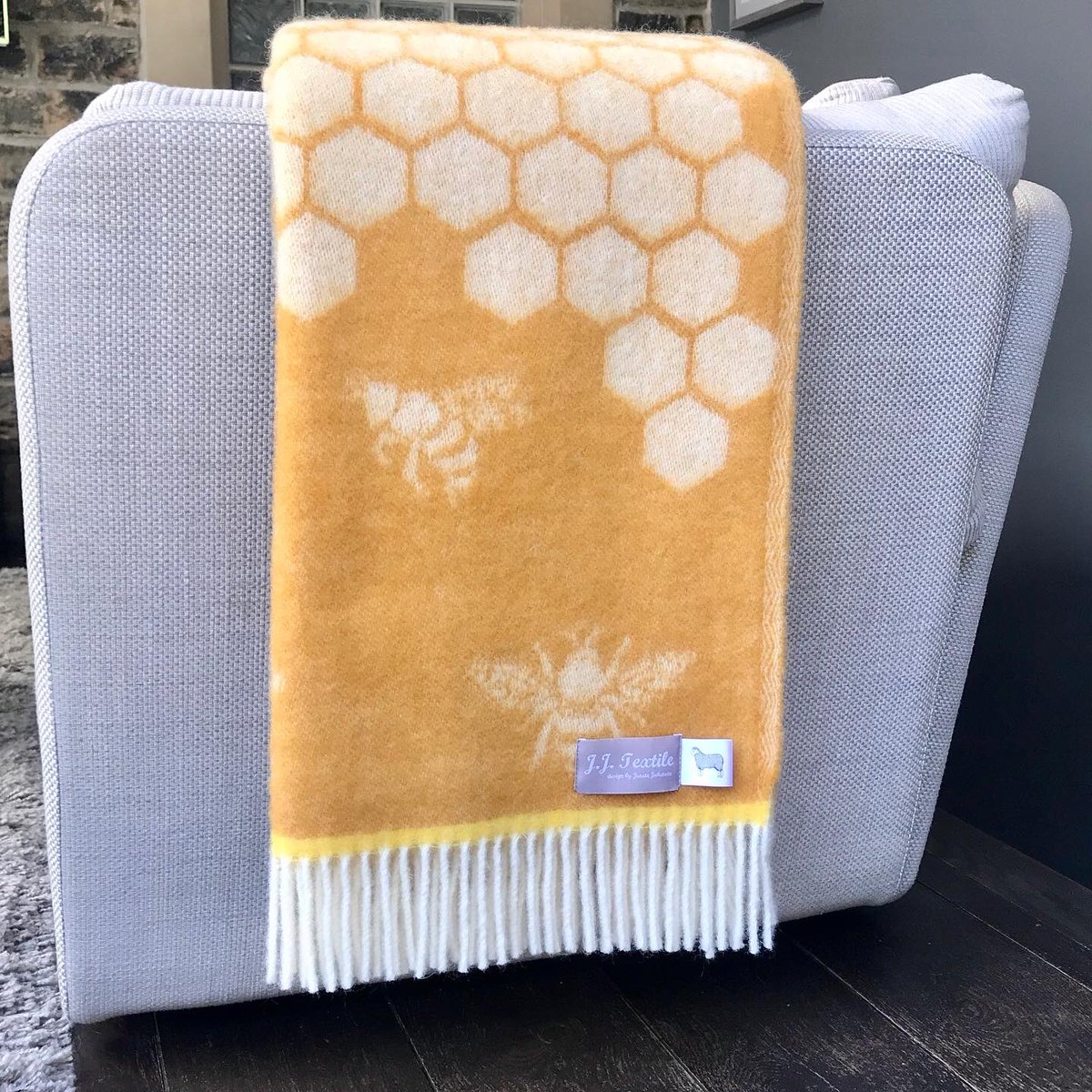 All about the bees 🐝just had to add this beautiful bee blanket to our collection & it's gone down a treat. Autumn is upon us & we may be spending more time outside this year so why not wrap up warm. Looks fab on a sofa, bed or chair too 100% wool on website or @ThePieceHall