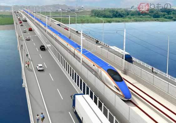 【日本初】福井市内の九頭竜川に「新幹線・道路併用橋」建設中北陸新幹線の金沢~敦賀間で開業へ向かっている。新幹線の騒音等が自動車・歩行者に影響を与えないよう、橋げたには防音壁を設置。