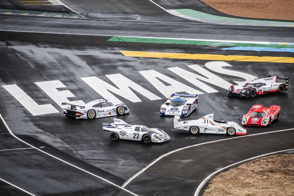 ➡️Six overall winners from 🇩🇪#Porsche in Le Mans  🔸First row from left to right👇  ▪️ 917 KH (1971) ▪️ 936/81 Spyder (1981) ▪️ 917 KH (1970)  🔸Rear row from left to right👇  ▪️ 911 GT1 '98 (1998) ▪️ 962 C (1987) ▪️ 919 Hybrid (2017) https://t.co/SrJYssb3fD