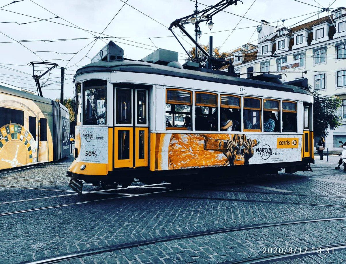 Son una chulada! 🥰 #lisbon #tranvia #lisboa #carris #Travel #FelizViernesATodos https://t.co/GtXbIF7Q76