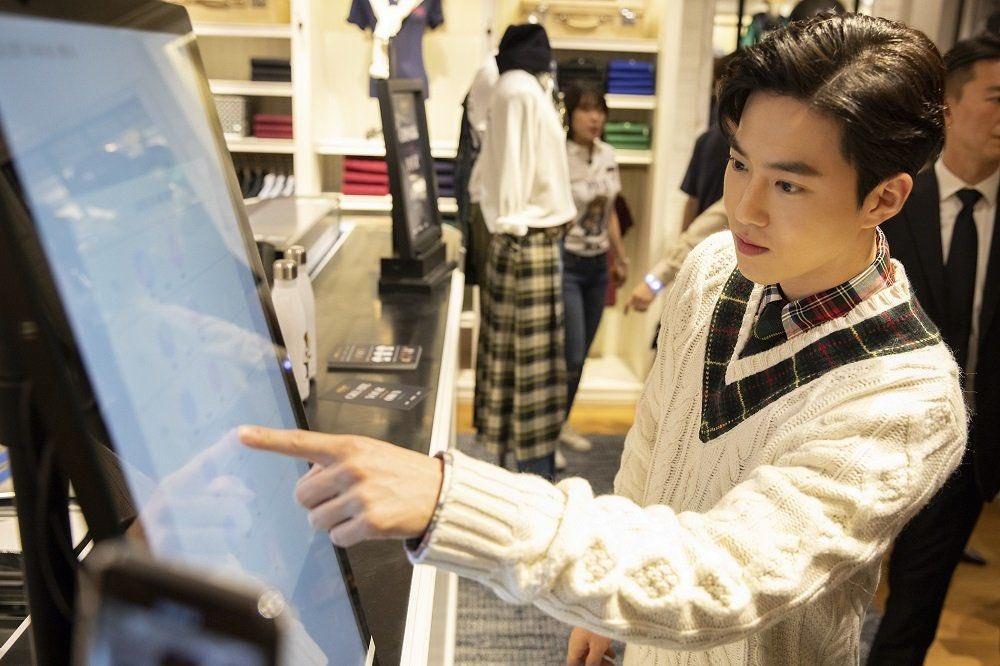 190918 폴로 행사   #EXO #수호 #준면 #SUHO #Junmyeon @weareoneEXO https://t.co/e7z8JUlPcb