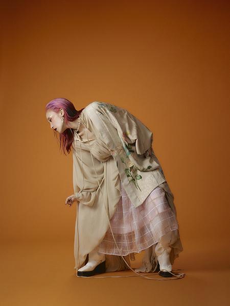LiSA、自身のライブ衣装を語る✨和のテイスト感じる撮り下ろしも掲載👹『鬼滅の刃』衣装デザイン特集も!古典柄・軍服をファッション目線で考察#装苑 @soen_henshubu