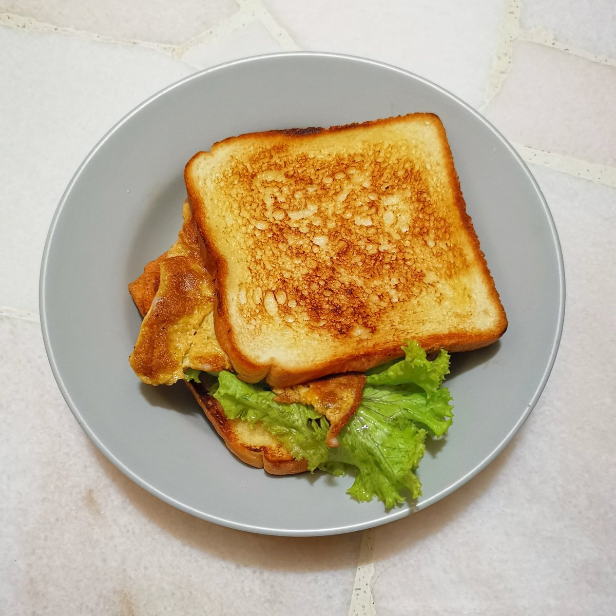 Friday's breakfast 🥪🍳☕ #FridayVibes #breakfast #toast #desayuno #scrambledeggs  #sandwich #organic #healthy #fitness #lifestyle #coffee #tea #homemade #StayAtHome #eatathome #abendessen #早餐 #蛋治 #三文治 #料理写真 #おいしい #저녁식사 https://t.co/4pu4q4Zd3y