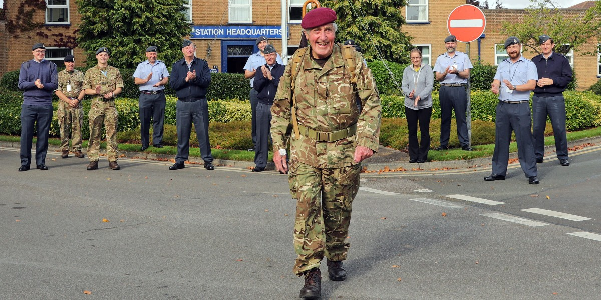 A massive good luck to one our fundraisers, 88-year-old Jeffrey Long who is walking 11 miles from RAF Linton-on-Ouse to York today. Jeffreys walk pays tribute to those killed when a Halifax bomber crashed in York in 1945. Support his fundraiser here: fal.cn/3ap2l