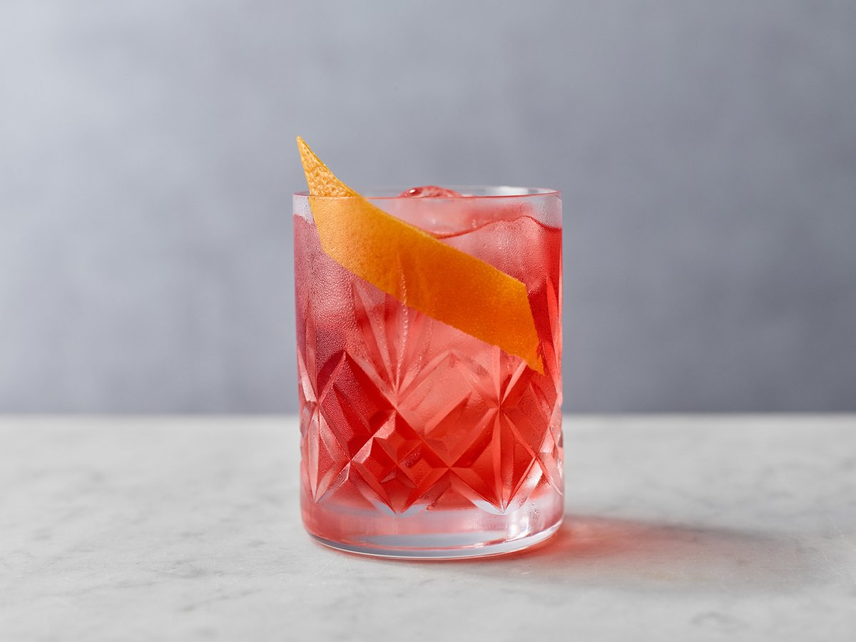 Celebrating Friday and #NegroniWeek with a Seville Marmalade Negroni made with our Seville Marmalade Gin.  A zesty twist on a classic that shouldn't be overlooked - find the recipe here: https://t.co/1au9XjSY4I  Cheers everyone! https://t.co/FWJiBP88ry