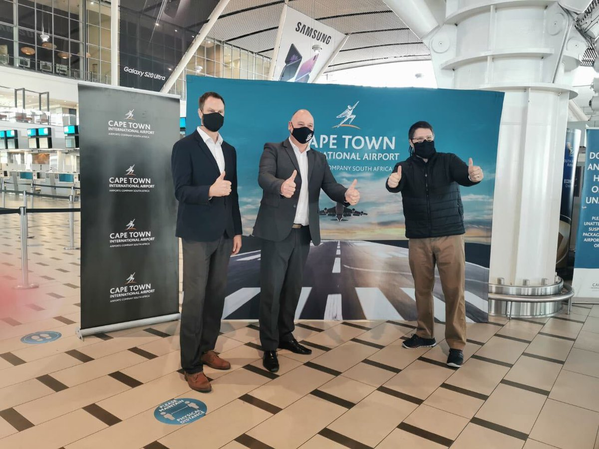 David King (left), Alderman Vos (middle) and MEC @DavidMaynier enjoyed a visit to @capetownint to view the new thermal scanning technology which will be put to trial at the airport.  #CapeConfidence #WeAreOpen #WesternCapeToday https://t.co/OO4MWz38dz