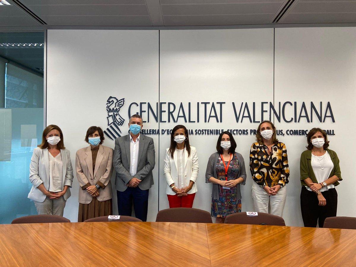 Y terminamos nuestra visita a Valencia con una reunión de trabajo con el consejero @Rafa_Climentg y su equipo en la @GVAeconomia. Estamos alineados y trabajamos de la mano para sacar adelante inversiones en infraestructuras estratégicas en la región. https://t.co/nI01kCT9P2
