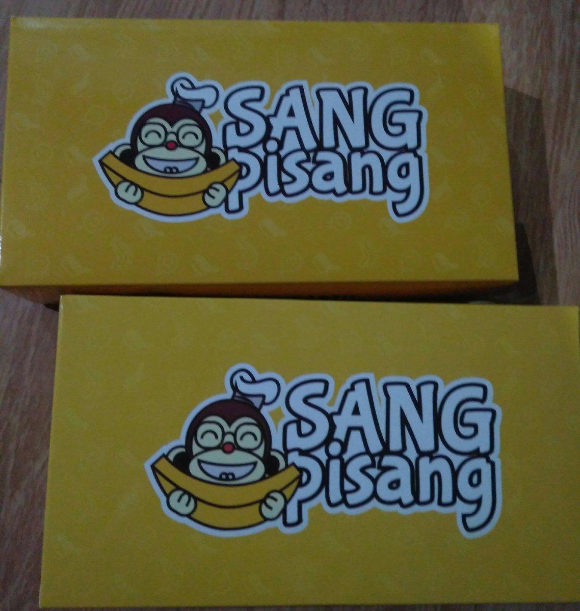 Beli krn kebetulan ongkirnya murah. Untuk rasanya anakku suka banget yg pisang nugget keju almondnya. Baru ini cobain banana rollnya, untuk rasanya yaa rasa pisang wkwkwkwk :D  Penasaran aja klo aku tag apa iya di RT yak... @kaesangp @SangPisang2017 https://t.co/tKvABil3a3