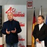 """Image for the Tweet beginning: """"Solidarność brachte den Kommunismus zum"""
