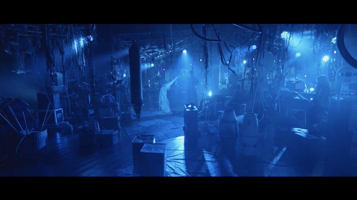 映画「さんかく窓の外側は夜」主題歌『暗く黒く』 Intro ver.公開しました映画「さんかく窓の外側は夜」は2021/1/22(金)全国公開です◆Intro ver.はこっち↓◆映画情報はこっち↓#さんかく窓の外側は夜#ずっと真夜中でいいのに。