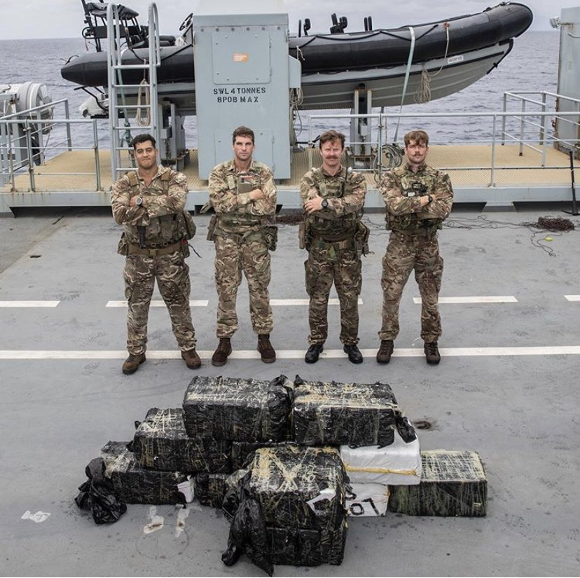 Check out ranks from @47CdoRM who seized an estimated £81m worth of cocaine out in the Caribbean whilst onboard @RFAArgus 🗡 twitter.com/RoyalMarines/s…