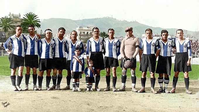 FOTOS HISTORICAS O CHULAS  DE FUTBOL - Página 17 EiMNZd6X0ActeOx?format=jpg&name=small