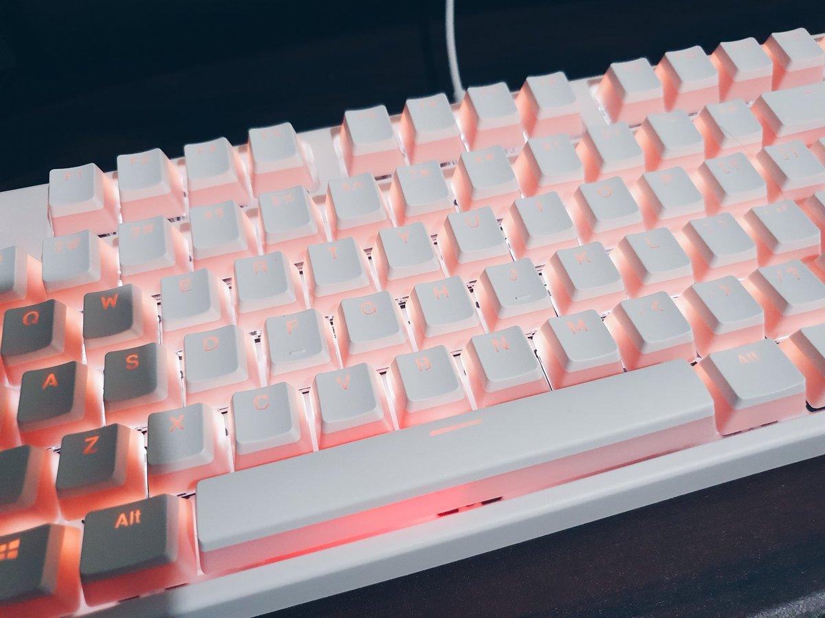 Makes me wanna take a bite of my keyboard 🤣🥰 https://t.co/NB5YY11hw2