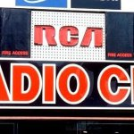 Image for the Tweet beginning: Feds @CRTCeng warn radio stations