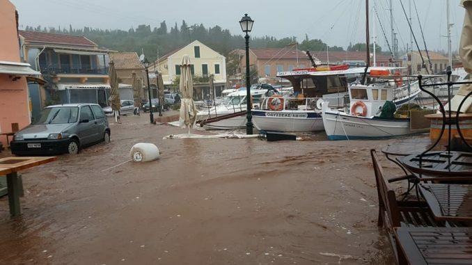Μεσογειακός Κυκλώνας: Η καταστροφή σε εικόνες -Ο «Ιανός» χτύπησε Λευκάδα, Ζάκυνθο, Κεφαλονιά, Ιθάκη https://t.co/wASos3K2e8 https://t.co/2GCoOO3SfO