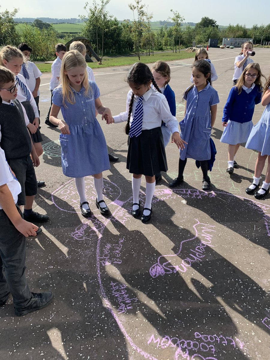 P5's vitamin D levels will be wonderfully healthy after all of our learning in the September sunshine ☀️ Today, we used our homophone spelling homework to create games such as Homophone-Sunshine, Homophone-Bingo & Numberphones. #ActiveLiteracy #OutdoorLearning #Homophones 🌟 https://t.co/5O4bLtCohj