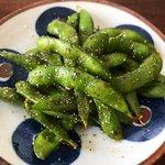 止まらなくなっちゃいそう!お酒好きの方におすすめ、枝豆を使ったおつまみレシピ!