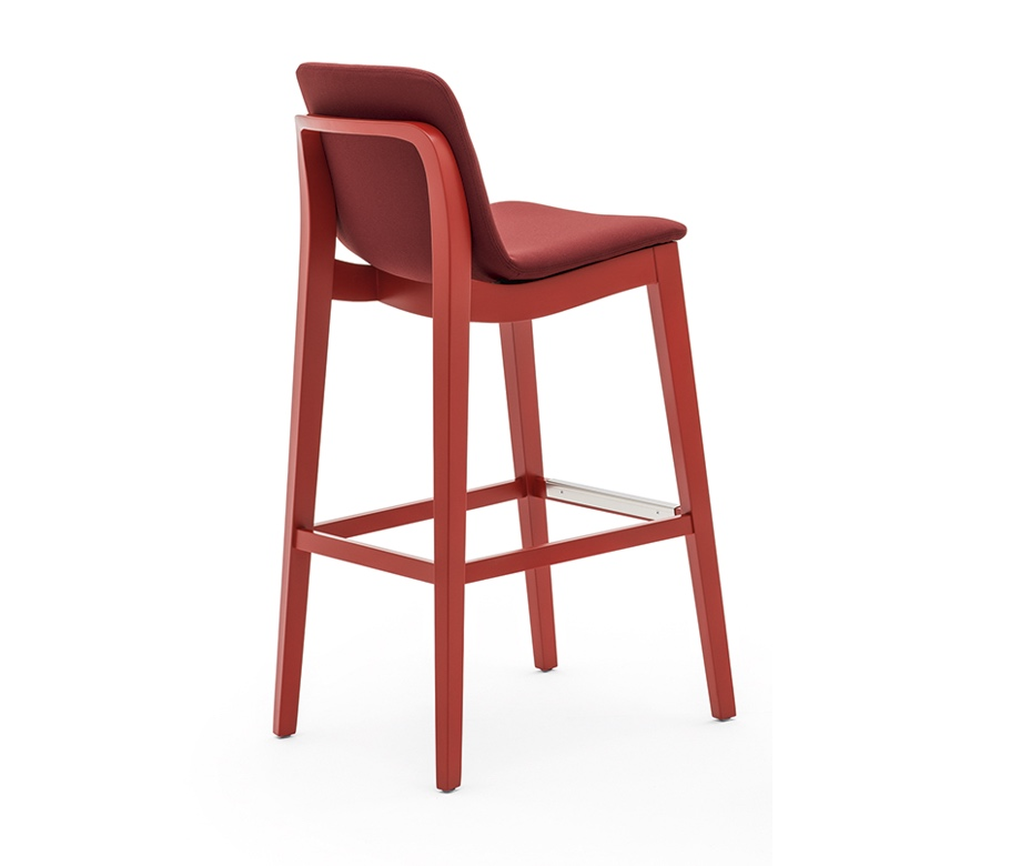 Light 3.3 is a barstool from the collection, featuring a solid wooden frame. It features a plywood, fully upholstered shell. In the wooden frame is a integrated hand grip on the backside of the chair. It also includes a brushed stainless steel kickplate.  https://t.co/tfK1jAAeyn