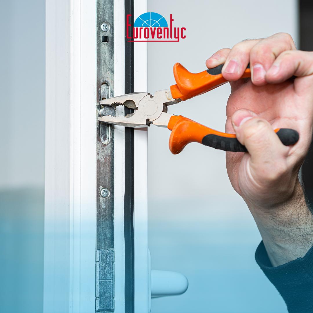 ¡Las ventanas de PVC son más económicas a mediano plazo por sus niveles de aislamiento térmico generando ahorro en electricidad y mantenimiento! Contáctanos para más información. . #Euroventyc #VentanasPVC #PuertasPVC #PVC https://t.co/wY2ylCW34Z