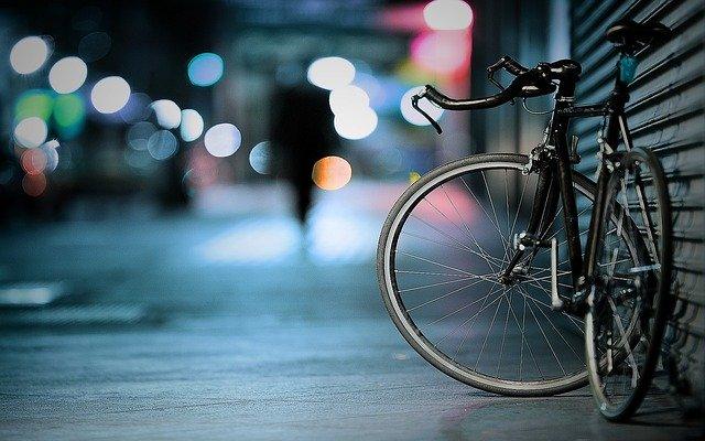 https://t.co/bQcF701q4l Activistas medioambientales y autoridades de Berlín batallan por conquistar más espacio urbano para la bicicleta, ante el auge de este medio de transporte...  #COVID19 #bicicleta #MedioAmbiente #FelizViernesATodos #Berlin https://t.co/NotcKbqBrX