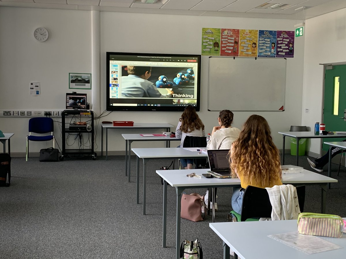 Today PGCE students @stranbelfast enjoyed a virtual workshop on Digital Play led by the wonderful @pamelalamela We loved hearing about the intentional and creative planning of digital technologies to support young children's development. Thank you Pamela for joining us! 👏👩🏼💻📲 🎶 https://t.co/u3H1BTAZ2w
