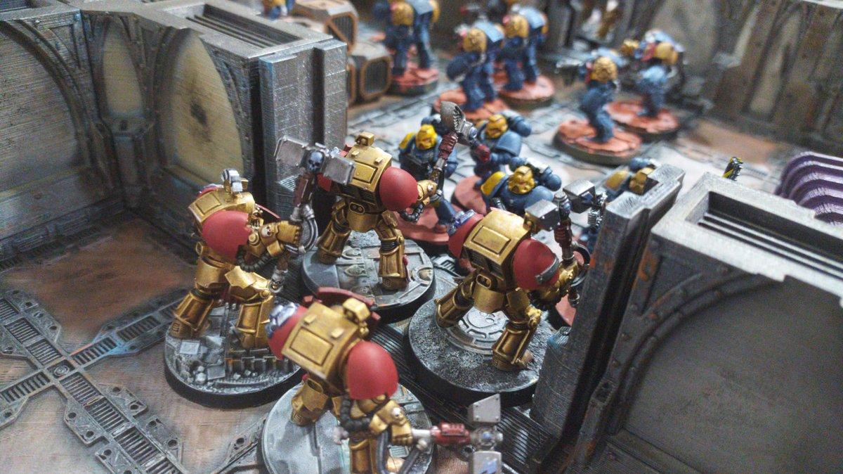 Más fotos de la partida de #ZonaMortalis   #badabwar #warhammer40k #warhammer30k #warhammer40k #warhammer40000 #warhammer #Forgeworld #badab #badabwar #astralclaws #WarGames #wargame #wargaming #Warmongers https://t.co/vlr1bzTEgz