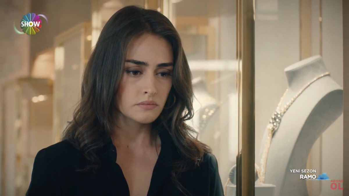 You can tell she's so thrilled with the marriage proposal. Poor Sibel!! The psycho is rediculously funny😂😂 #Ramo #EsraBilgiç https://t.co/Ko7JxAsnHK