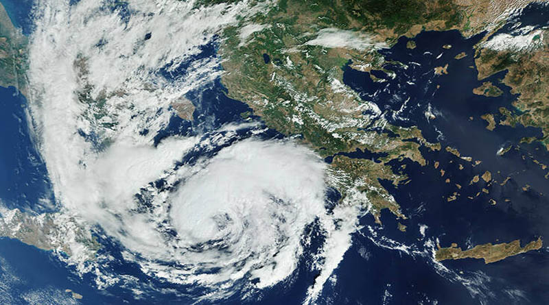 Εντυπωσιακή εικόνα: Πως φαίνεται ο μεσογειακός κυκλώνας «Ιανός» από το διάστημα (φωτό) - https://t.co/nKl0vh26yq https://t.co/JhJ0HFAU4z