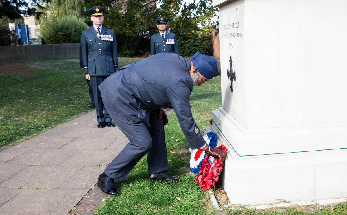 Today, a small ceremony was held at the statue dedicated to the decorated WW2 pilot Squadron Leader Mahinder Singh Pujji on the 10th anniversary of his death. Read more: bit.ly/35K1acx