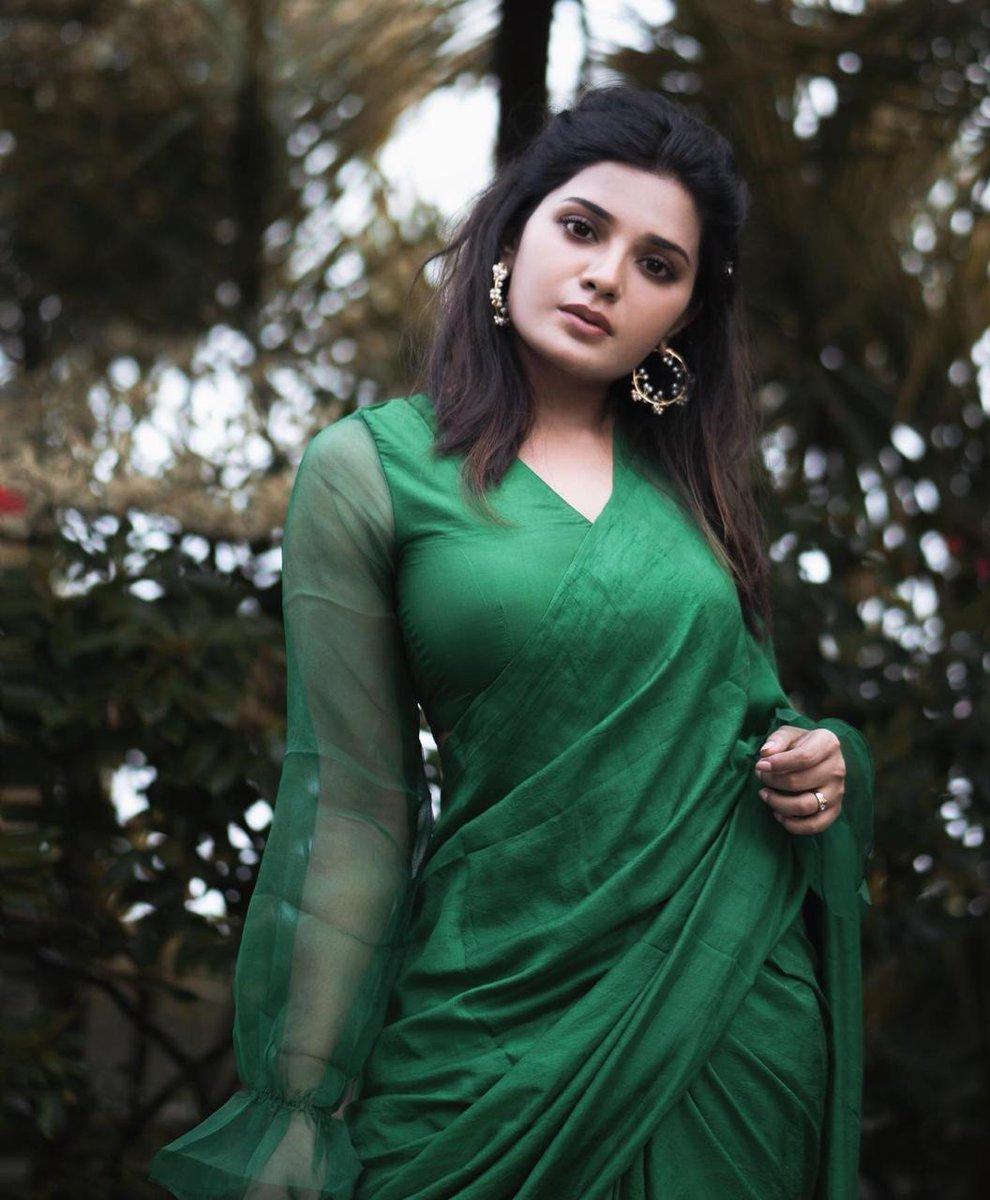 When beauty meets Green! Actress @im_aathmika   #aathmika @teamaimpr https://t.co/gnYIInuRgw