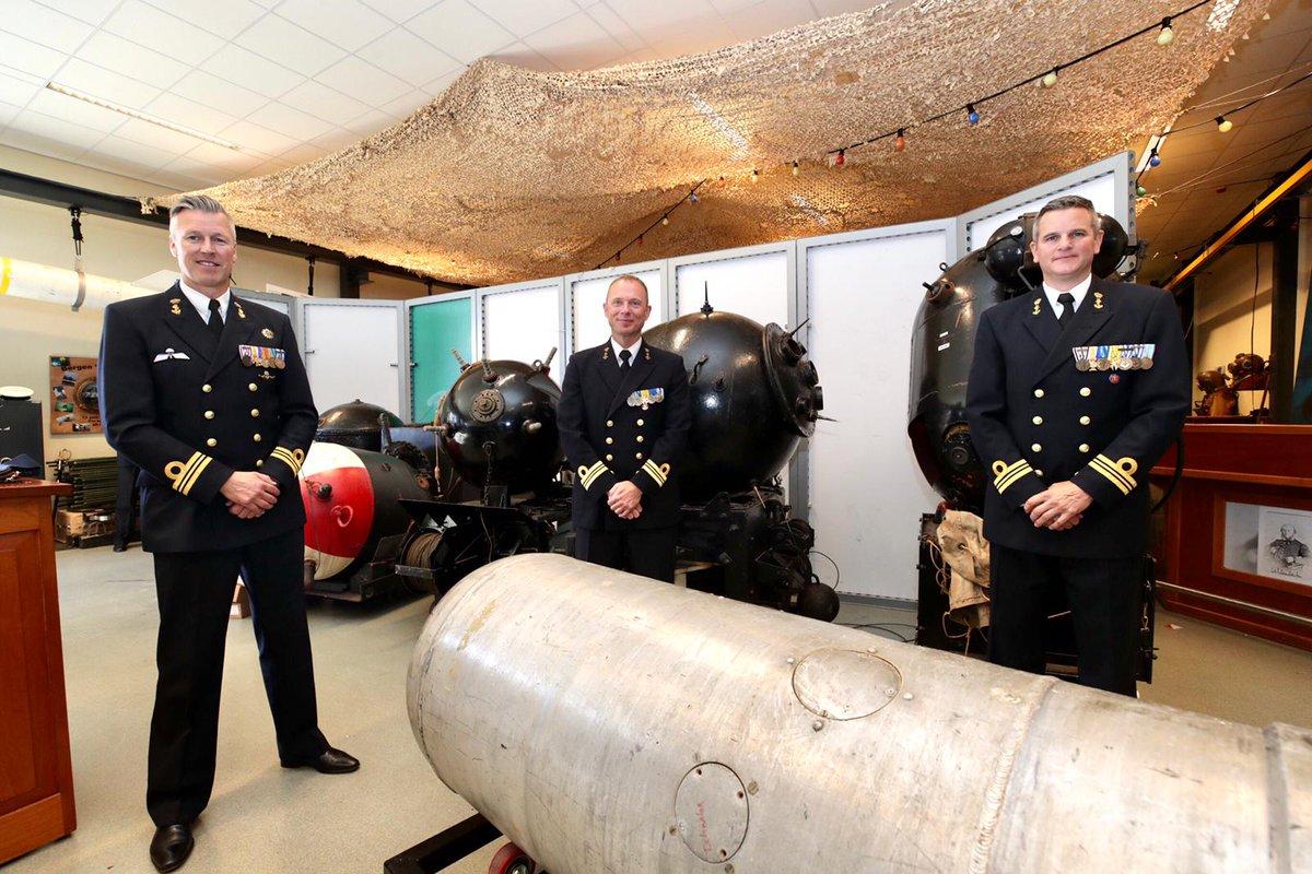 Vandaag heeft LTZ 1 Dinant Laros het commando van Zr.Ms. Zierikzee overgenomen van zijn voorganger LTZ 1 Sjors ter Veen die op zijn beurt het commando van Zr.Ms. Willemstad overneemt van LTZ 1 Sander Kool. #koninklijkemarine #mijnendienst