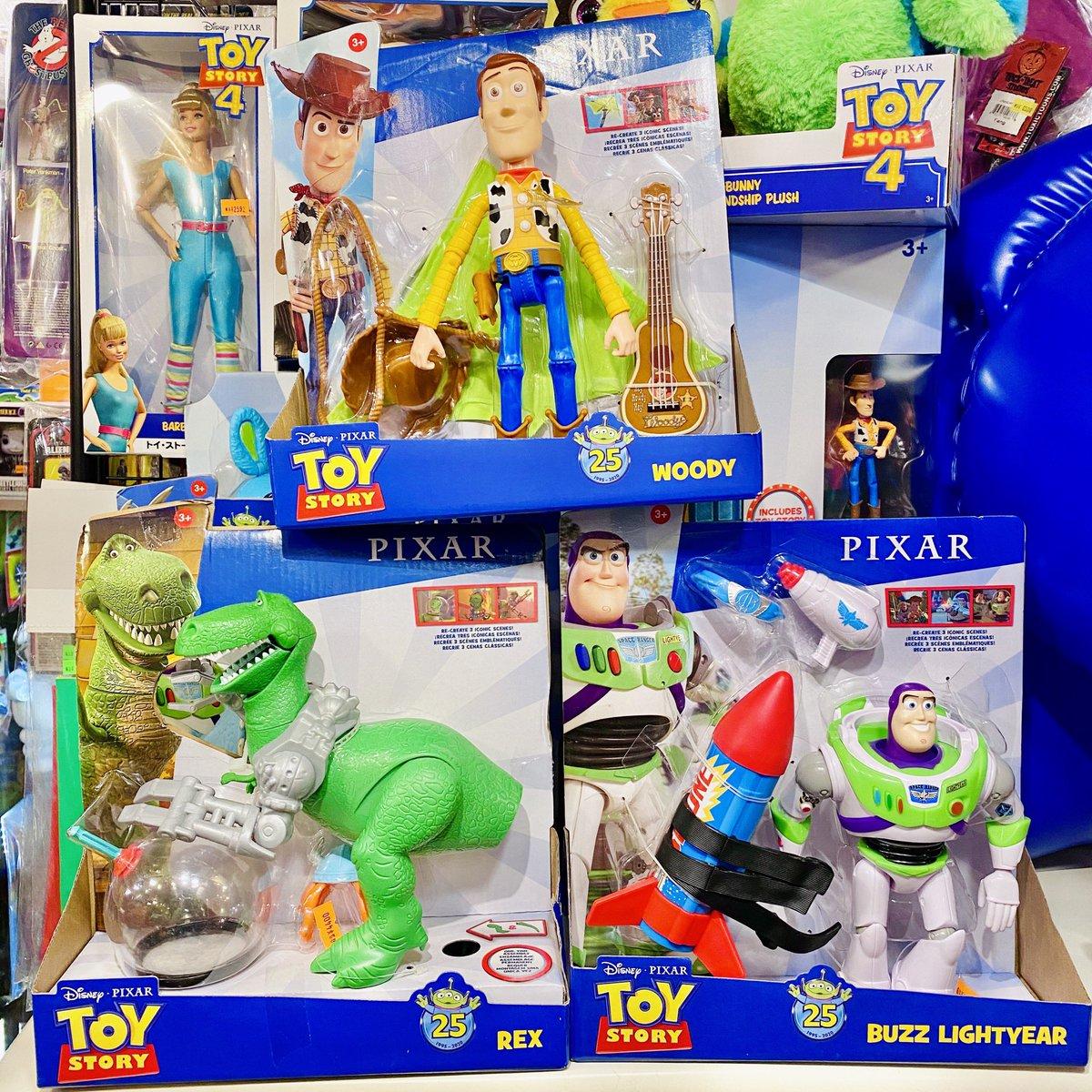 TOY STORY☁️ トイストーリー☁️☁️ 25周年記念のフィギュアも色々と新入荷や再入荷しました✨  店頭にはギュンギュン陳列できました🙌🏻 ネットショップにはまだ出せていません🙏🏻💦  ご注文やお問い合わせはDMやメールにてお気軽にご連絡ください💌  #トイストーリー #バズ #ウッディ #レックス #toystory https://t.co/wWULMoGCpZ