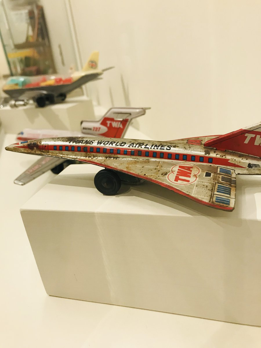 Fun for Friday - toy models of #TWA plane now on view at the National Museum of Toys and Miniatures  @toyminiature in Kansas City, MO. @VisitKC  #Museums #Airplanes #Toys #TWA #Avgeeks #StucktTheAirport  https://t.co/mQE2GYlIBQ https://t.co/GjFctKaxXs