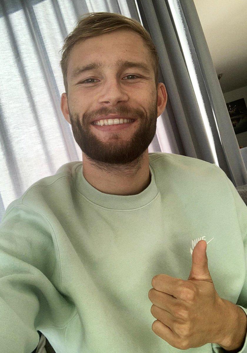 Schaut mal, wer drei Tage nach seiner Operation wieder lächeln kann.  Weiterhin gute und schnelle Genesung, Konni! ☺️🙏  #GetWellSoon https://t.co/cSXHQUDHQ8