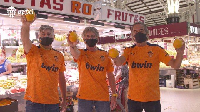 📍 Mercado Central ()🎥 Este lugar emblemático de la ciudad se tiñe de naranja con la equi....